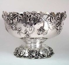 Bailey, Banks & Biddle Art Nouveau Sterling Punch Bowl with Roses. Look Vintage, Vintage Silver, Antique Silver, Vintage Items, Tarnished Silver, Art Nouveau, Punch Bowl Set, Silver Necklaces, Silver Earrings