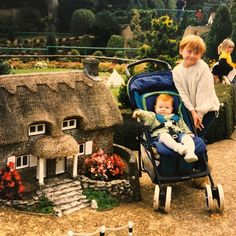 New picture of little Rupert Grint with his sister Samantha #RupertGrint