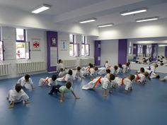 Incalzirea Karate, Basketball Court, Sports, Hs Sports, Sport
