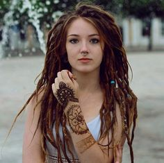 ♥ The most well-known hair add-ons with regard to spring season Hippie Dreads, Dreadlocks Girl, Hippie Hair, Women With Dreadlocks, Dreadlock Extensions, Dreadlock Styles, Dreads Styles, Hair Extensions, Teil Dreads