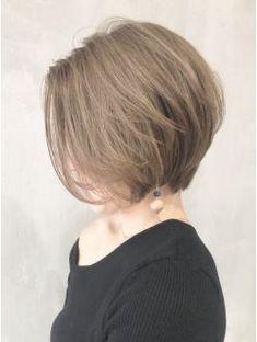 ミルクティーマッシュウルフショート_ba102791 Medium Short Hair, Short Hair With Layers, Short Hair Cuts, Medium Hair Styles, Short Hair Styles, Tomboy Hairstyles, Short Hairstyles For Women, Pretty Hairstyles, Hair Color Asian