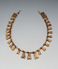 Necklace of fly beads. Egypt, Dyn 18, 1550-1295 BC. Mus.of Fine Arts, Boston
