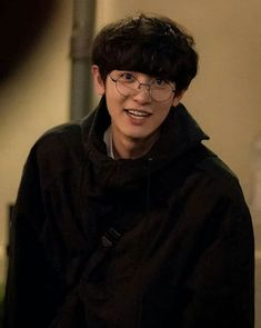 """New photos of Park Chanyeol has been revealed for the upcoming drama """"Memories of the Alhambra"""" Baekhyun Chanyeol, Kpop Exo, Rapper, Kim Minseok, Xiuchen, Exo Members, Tom Holland, K Idols, Parks"""
