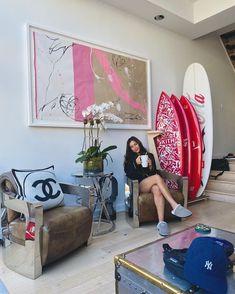 straight into style: Photo Casa Jenner, Kylie Jenner Room, Home Room Design, House Design, Nursery Design, Hypebeast Room, Living Room Decor, Bedroom Decor, Aesthetic Room Decor