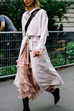 Street Style Paris Fashion Week Primavera Verano 2017 | Galería de fotos 8 de 82 | VOGUE