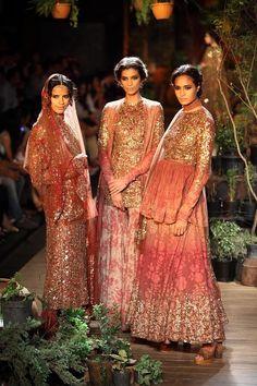 India Couture Week Mehendi Outfits, Pakistani Outfits, Indian Outfits, Indian Bridal Wear, Indian Wear, Ethnic Fashion, Asian Fashion, Saris, Mehndi