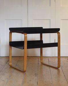 1930s Alvar Aalto model 915 table