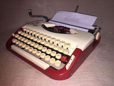 Schreibmaschine Princess 300 creme/rot vintage portable mechanical typewriter