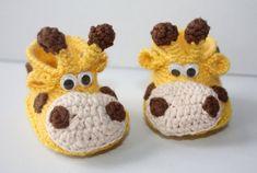 Grande Giraffe booties Pregnancy baby announcement Newborn booties Unisex Neutral gender Little baby shoes Reveal gift set Crochet newborn shoe - Uncinetto - Motivi Per Uncinetto Newborn Crochet, Crochet Baby Booties, Baby Blanket Crochet, Baby Knitting Patterns, Crochet Patterns, Bonnet Crochet, Crochet Coat, Newborn Shoes, Baby Lovey