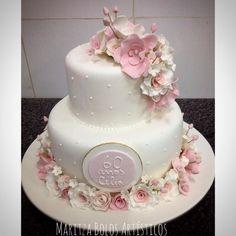 Para os 60 anos da Célia. #maritzabolosartisticos #bolo #bolodeaniversario… 25th Wedding Anniversary Cakes, Wedding Cakes, Pretty Cakes, Beautiful Cakes, Number Cakes, Occasion Cakes, Sugar Flowers, Baby Party, Let Them Eat Cake