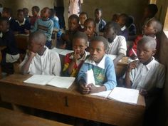 Students in class at Seela Primary School in the village of Seela on Mt. Meru (Tanzania).  www.heartsinunity.org