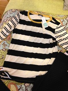 SF: I like this top a lot, especially the contrasting yellow trim