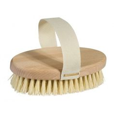 Wooden massage brush with untreated beechwood, a belt & soft light bristle.Size: Length Material: Beechwood & Bristle Made in Germany Yucca Plant, Skin Brushing, How To Exfoliate Skin, Vegan, Deodorant, Plant Based, Oxford, Massage Body, Germany
