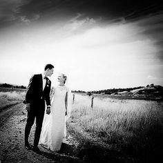 Bryllupsfoto ved Them Kirke #themkirke #fotograf #brud #bride #bryllup #billeder #bryllupdk #bryllupsklar #bryllupsfotograf #bryllupsforberedelse #wedding #weddings #weddingdress #weddingforum #weddingphotos #weddingdetails #weddingpictures #weddinginspiration #weddingphotographer #voresstoredag