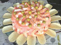 La primera vez que ví este pastel fue en el blogLa Juani de Ana Sevillay me dejó K.O.  A partir de ahí empecé a hacerlo y a combinar los ingredientes que se me iban antojando y realmente está delic