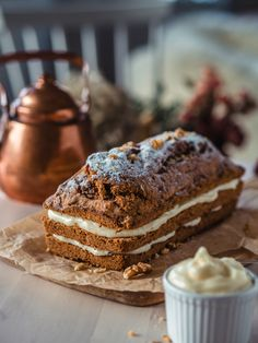 Masan Gluteeniton Banaanikakku on super helppo, mehevä ja takuu herkullinen kahvikakku, jossa maistuu pirteä sitruuna. Kokeile Masan ohjetta ja ihastu! Finnish Recipes, Cheesecake Bars, Something Sweet, Pie Recipes, No Bake Cake, Tiramisu, Brunch, Gluten Free, Sweets
