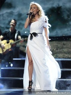 Why is Carrie Underwood so perfect tho?