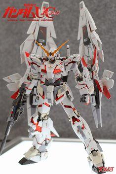 MG 1/100 Unicorn Gundam + 2 Armed Armor DE Phenex Equipment Type - Custom Build - Gundam Kits Collection News and Reviews