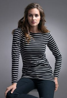 An essential basic garment in a nursing mother's wardrobe. The Boob Nursingwear round neck Simone maternity and nursing top with long sleeves is made from soft knitted stretch fabric in organic cotton and elastane Nursing Tops, Nursing Clothes, Newly Pregnant, Breastfeeding Clothes, Maternity Tops, Clothes For Sale, Long Sleeve Shirts, Outfits, Women
