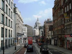 Fleet Street   File:Londres - Fleet Street.JPG - Wikipedia, the free encyclopedia