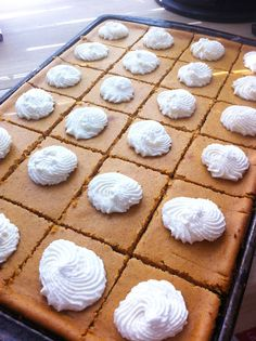 Gluten free pumpkin cheesecake bars - do I put this under something yummy or healthy? Gluten Free Deserts, Gluten Free Sweets, Foods With Gluten, Gluten Free Baking, Vegan Gluten Free, Gluten Free Recipes, Dairy Free, Gluten Free Pumpkin Bars, Celiac Recipes