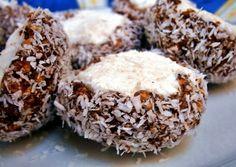 Kókuszdió Muffin, Breakfast, Food, Morning Coffee, Essen, Muffins, Meals, Cupcakes, Yemek