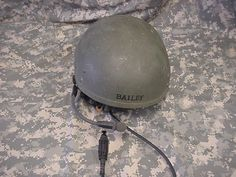 CVC HELMET COMBAT VEHICLE CREWMAN MEDIUM DH-132B, WITH BOSE SPEAKER LINER