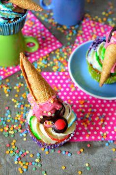 Ninas kleiner Food-Blog: Cakepops mal anders: Mini-Eistüten mit Kuchenfüllung (einfach so oder als Cupcake-Deko)