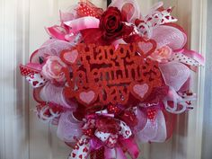 Valentines Day Door Wreath, Happy Valentines Day Wreath, Heart Wreath, Decomesh Valentines Day Wreath, Love Wreath, Wreath with a sign by SwaymeVegas on Etsy