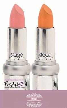 Lipstick: Barra de labios de larga duración, muy hidratante (Vitamina E) que aporta volumen, mediante el complejo de ingredientes naturales patentados Maxilip, que estimula los labios para producir su propio colágeno. SPF 10. Aplicar directamente sobre el labio o encima de un perfilador Soft Liner para una mayor cobertura y duración. TONOS: NARANJA-MANGO, NUDE-ROSA CLARO (NUEVO TONO) #LAVANDA #STAGELINE