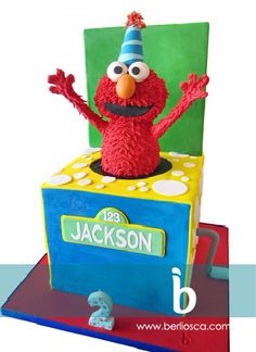 You'll Pop Over This Cute Elmo Cake made by Berliosca Cake Boutique 3rd Birthday Parties, Birthday Cakes, 2nd Birthday, Birthday Ideas, Elmo Sesame Street, Sesame Street Birthday, Elmo Centerpieces, Elmo Cake, Diaper Cakes