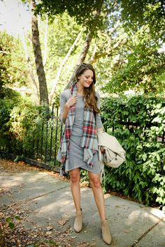 Do you know what you're wearing on Thanksgiving yet? Read this post for 7 casual Thanksgiving outfit ideas. They're so cute!