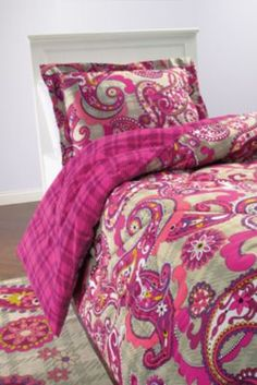 Vera Bradley Paisley Meets Plaid Bedding Collection my favorite pattern Plaid Comforter, Comforter Sets, Vera Bradley Patterns, Dream Decor, Dorm Bedding, My New Room, Bedding Collections, Bed Spreads, Bed Sheets