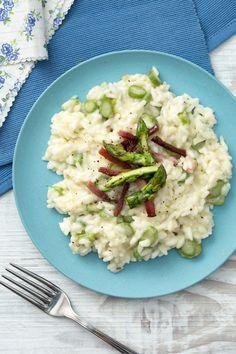 Risotto asparagi e speck: delicato e saporito. Un primo piatto davvero da urlo!  [Asparagus and speck risotto]