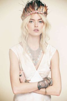 Hippie Music Festival-Inspired Lookbooks - The Free People Martha Hunt Series Captures Boho Style (GALLERY)