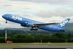 Boeing 767-328/ER - Zoom Airlines | Aviation Photo #0617466 | Airliners.net