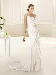Asymmetrical Satin Pleated One-shoulder Blackless Wedding Dress