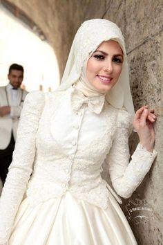 Turkish bride and groom ☪ ! http://www.dawntravels.com/umrah.htm