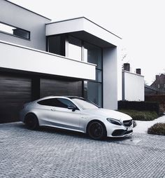 """2,346 mentions J'aime, 25 commentaires - HYPED GOODLIFE (@hypedgoodlife) sur Instagram : """"Monday motivation #HypedGoodlife @brutalc63s - #fashion #mercedes #watch #style…"""" Lux Cars, Mercedes Benz Cars, Modern Luxury, Modern House Design, Dream Cars, Super Cars, Architecture Design, Monday Motivation, Amg C63"""