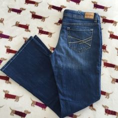 Aeropostale Hailey Flare Jeans Flared jeans, 7/8 short, 99% cotton 1% lycra. Excellent condition, great jeans. Aeropostale Jeans Flare & Wide Leg