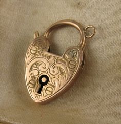Antique Edwardian 9ct Rose Gold Engraved Heart Padlock Clasp..