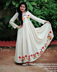 33156c72e2a Stylish Ethnic Long Suits That Are Going To Trend Next Year Too.  AbayasHijabsKurtisMaxi DressesLehengaIndian FashionMaxi ...
