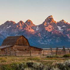 Why the Off-Season Is the Best Season in Jackson Hole — Brit + Co Grand Teton National Park, Yellowstone National Park, National Parks, Wyoming Vacation, Yellowstone Vacation, Tennessee Vacation, Jackson Hole Wyoming, The Ranch, Summer Travel