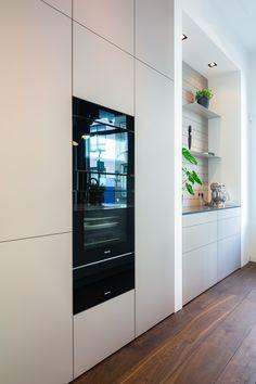 Kitchen Furniture, Kitchen Interior, Taupe Kitchen, Kitchen Rules, Kitchenette, Küchen Design, Decor Interior Design, Cool Kitchens, Diy Home Decor
