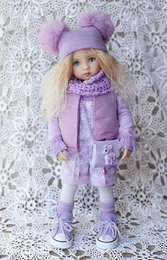 Outfit für Puppe 13(Diana Effner kleiner Liebling) für den Frühling Spaziergänge. Preis beinhaltet: Overall, Rollkragen, Weste, Strumpfhosen, Handschuhe, Socken, gestrickt, Rundschal, Hut, Tasche, Schuhe. (geeignet für Paola Reina) Die Puppe ist nicht zum Verkauf. Der Versand kann von