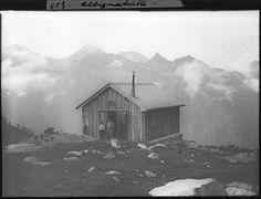 August Gysi (1878-1928), Albignahütte (Capanna da l'Albigna) im Bergell, Östliche Bündner Alpen, 1905 (geschätzt)