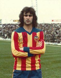 Mario Kempes of Valencia in 1978.