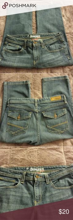 Denim Capris from Levi Gently worn and very soft. Buttons on the back pockets Denizen from Levi's Jeans Ankle & Cropped
