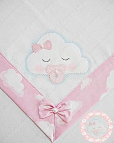Diy Crafts - super ideas for patchwork quilt baby girl sew Quilt Baby, Baby Patchwork Quilt, Halloween Kids Party, Hand Embroidery, Embroidery Designs, Baby Sheets, Quilting, Baby Turban, Baby Sewing