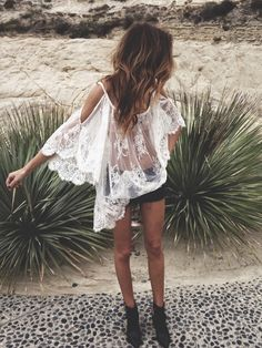 Lace boho chic top for a modern hippie allure. For the BEST 2015 Bohemian fashion trends FOLLOW http://www.pinterest.com/happygolicky/the-best-boho-chic-fashion-bohemian-jewelry-gypsy-/ now